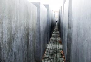 spomen obelezje holokausta, drugaciji pogled