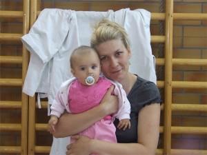 Olja sa najmlađim članom porodice Anđelić