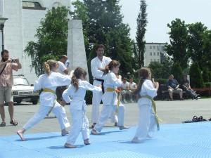 devojčice u akciji