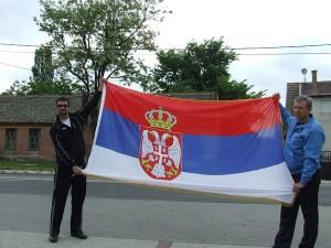 ajde makedonac raširi tu zastavu. Ne .eri, crnogorac!